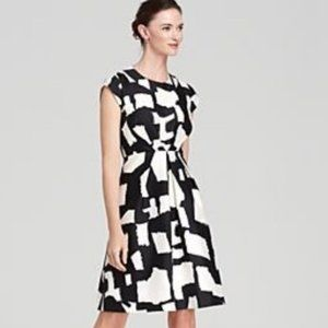 Kate Spade New York Mariella size 4 Black White Print Fit and Flare Dress